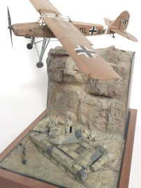 Tamiya 1/48 Fiesler Storch and Crusader tank